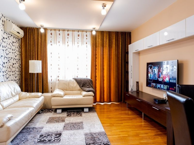 Vanzare apartament 3 camere Decebal Muncii