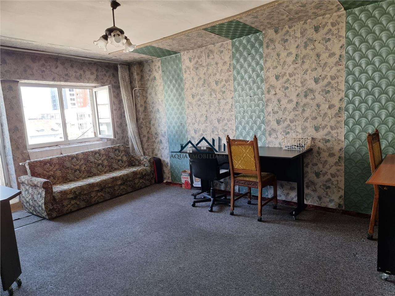 Vanzare apartament 4 camere Unirii magazin
